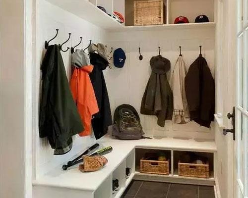 门厅装个封闭式衣柜定制,太有必要了!